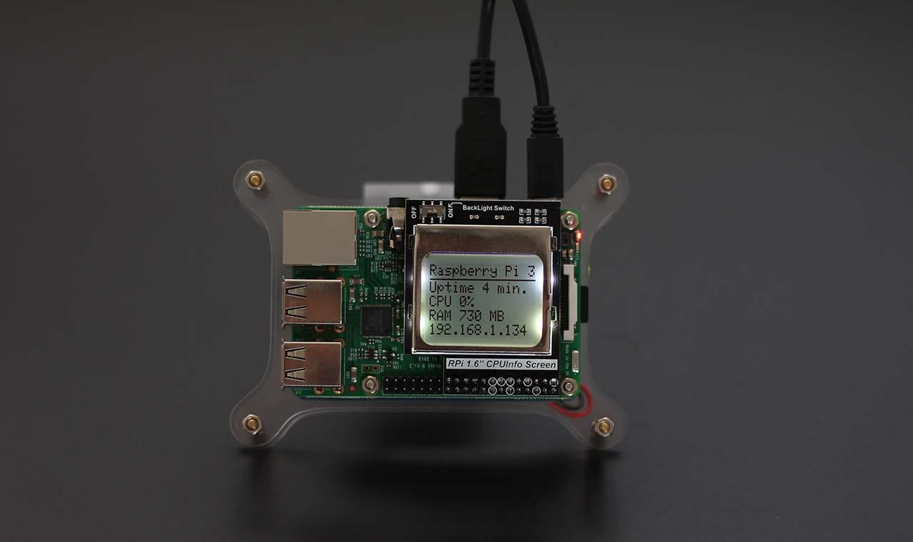 CPUInfo Screen được lắp trên mạch Raspberry Pi và Cluster Case