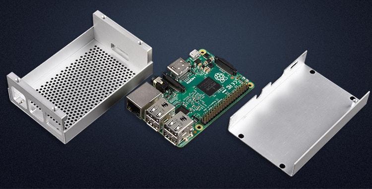 Vỏ nhôm Raspberry Pi được ghép từ 4 miếng nhôm