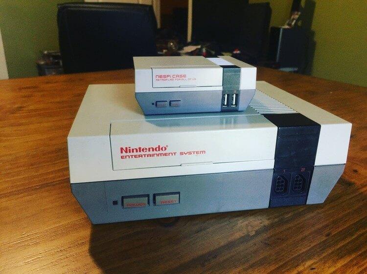 So sánh kích thước NESPi và NES